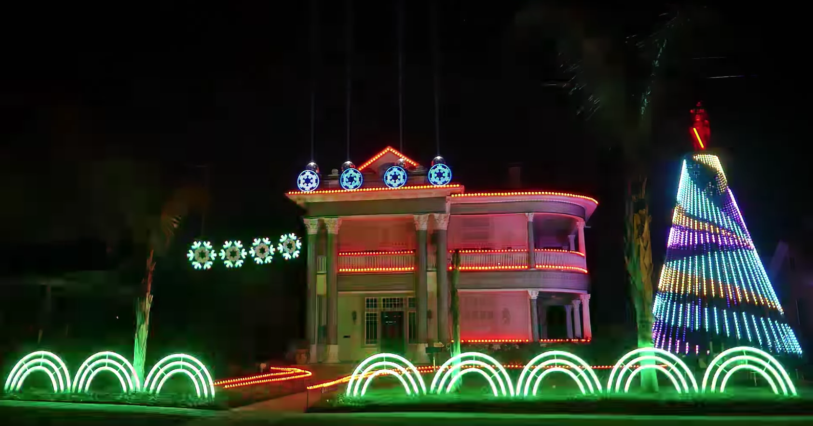 check out this san antonio homes star wars inspired christmas light show artslut - Windcrest Christmas Lights