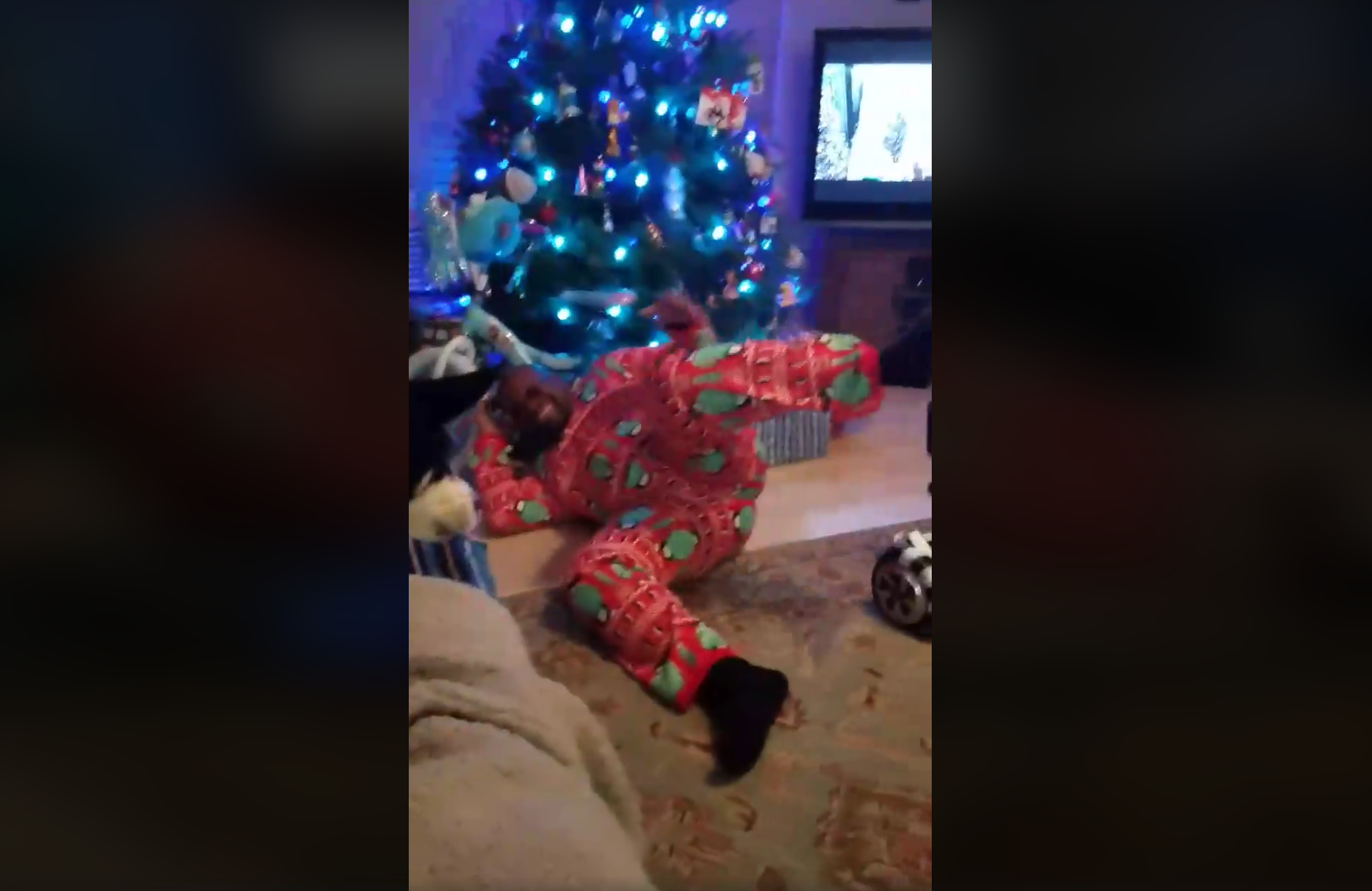 This San Antonio Dad\'s Christmas Hoverboard Fail Went Viral | The Daily