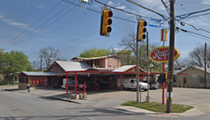 San Antonio Firefighters Respond to Grease Fire at Ray's Drive Inn