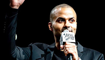 Spurs Fans Give Tony Parker a Sendoff Fitting for His Contributions to Four Championships, the Big Three