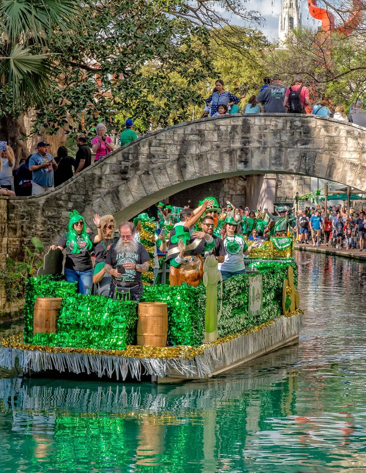 Paseo Del Rio Turns Green For St Patrick S Day River