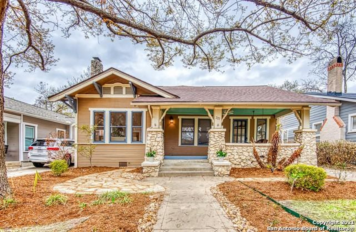 This Craftsman Style House For In, Craftsman Floor Cabinet Reddit