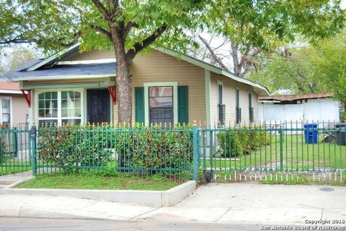 The 11 best homes in san antonio right now for under 200k for Home builders under 200k