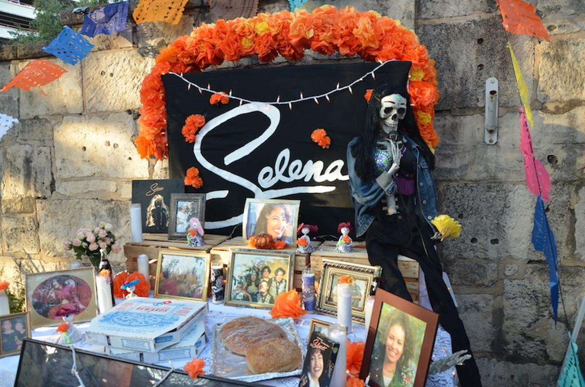 46 Photos Of D 237 A De Los Muertos Altars In La Villita San