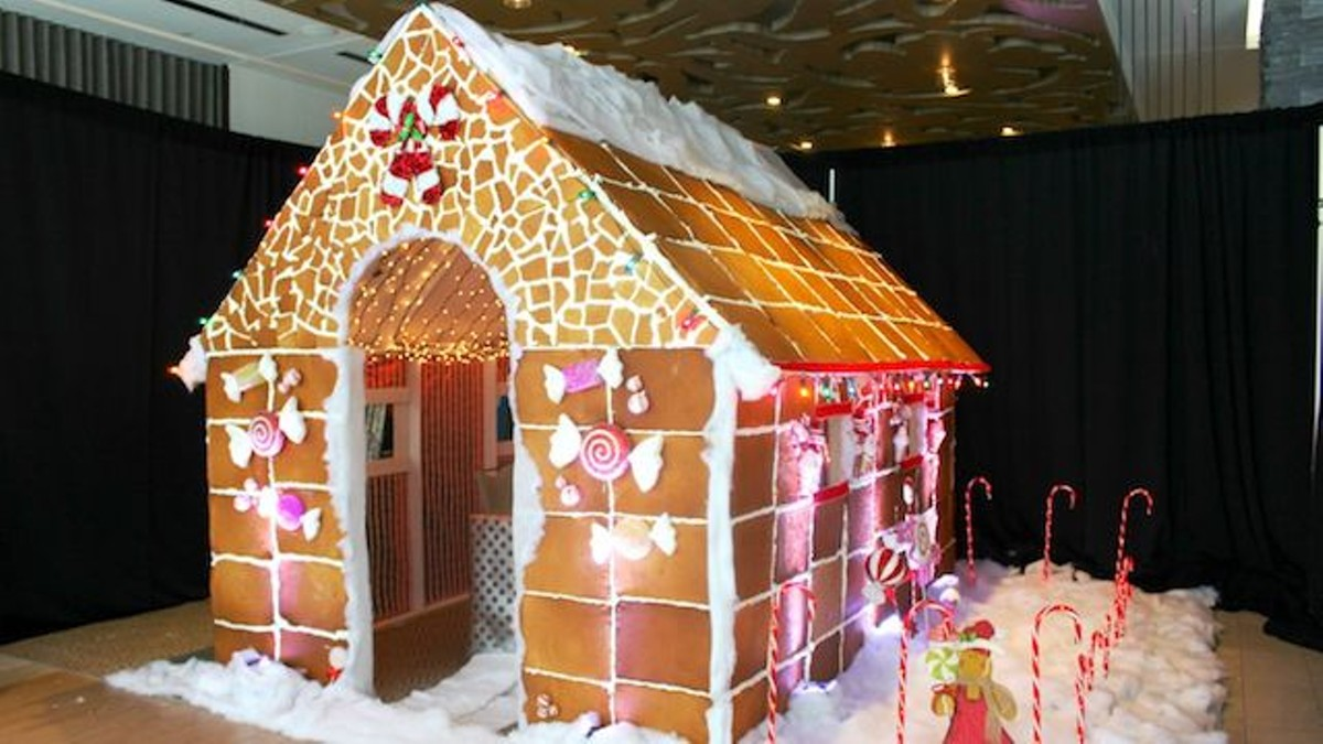 You Can Now Have A Meal Inside A Life Size Gingerbread
