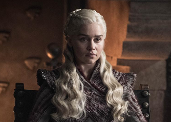 """""""I Drink and I Know Things"""": Enjoy This Drinking Game for the <i>Game of Thrones</i> Finale"""