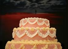 cake_dreaming_red.jpg