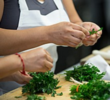 51b6b71c_cia-arriba-latin-food-classes-cilantro.jpg