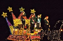 bedb5d43_cis_lighted_float_2011.jpg