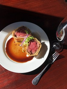 60d4c2dd_beef_wellington_for_2_at_tribeca_212.jpg