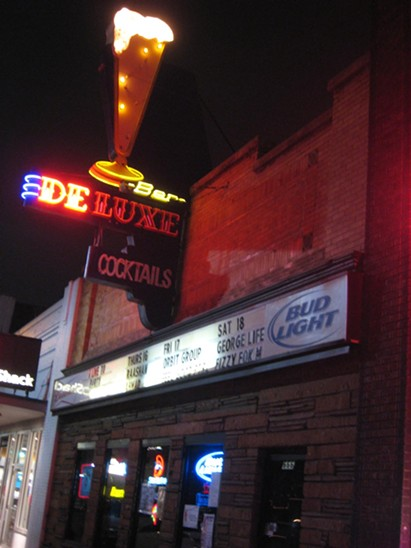 Bar Deluxe: 12/17/10