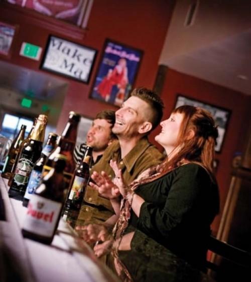 Beerhive Pub - JESS LEONARD