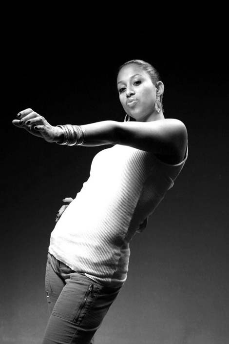 musiclive_afroomega_110113.jpg