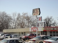 5 Buck Pizza Restaurant in Bountiful
