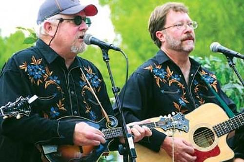 Kevin Jones (left)