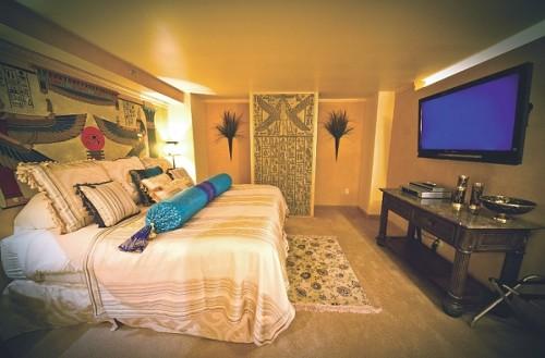 The Nefertiti's Court suite at Logan's Anniversary Inn