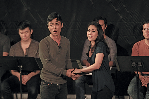 Jonny Lee Jr. and Ali Ewoldt as Lit and Mei in the - 2017 New York staging of Gold Mountain - LIA CHANG