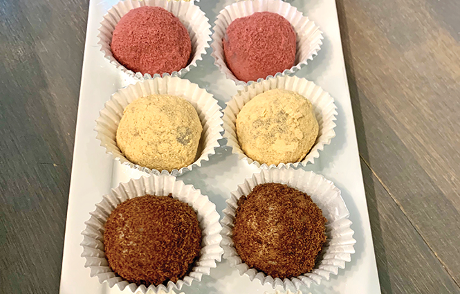Kyung Bakery's sweet rice balls - AIMEE L. COOK