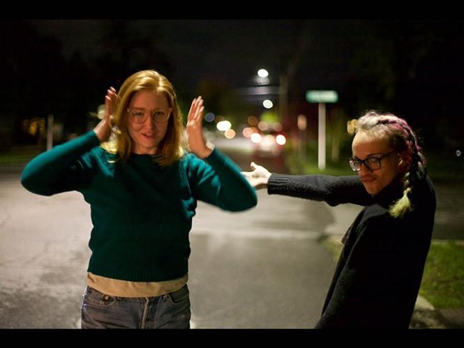 (L-R) Sara Faulkner, Ali Montgomery - NATHALIE LEBARON