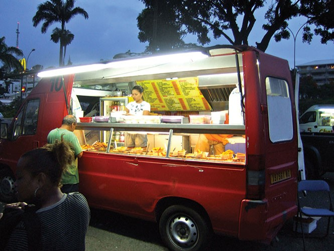 dining_foodmatters1-1-d41bdc5534c87b19.jpg