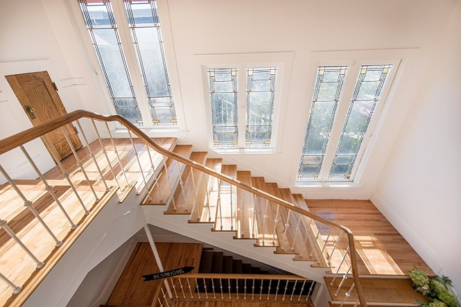Clubhouse Sunroom Staircase - PHOTOCOLLECTIVESTUDIOS.COM