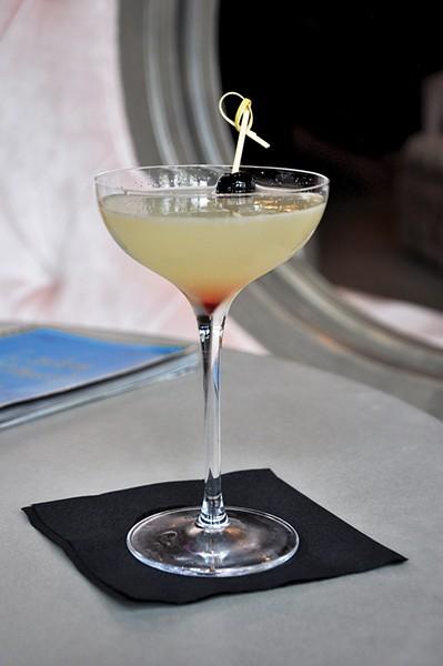 dining_drink1-1-b8cad4596ca99960.jpg