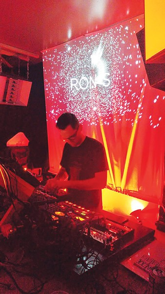 music_live1-2-119e3d2f73c45eb2.jpg