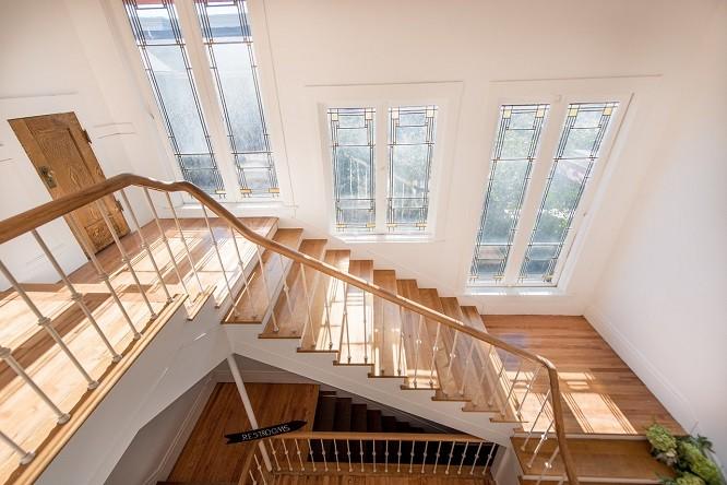 Clubhouse Sunroom Staircase - PHOTOCOLLECTIVESTUDIOS.COM