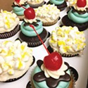 "<p class=""cwb"">Cupcakes on Demand</p>"