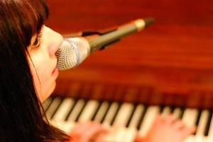 KAI BARKER - Andriana on Piano
