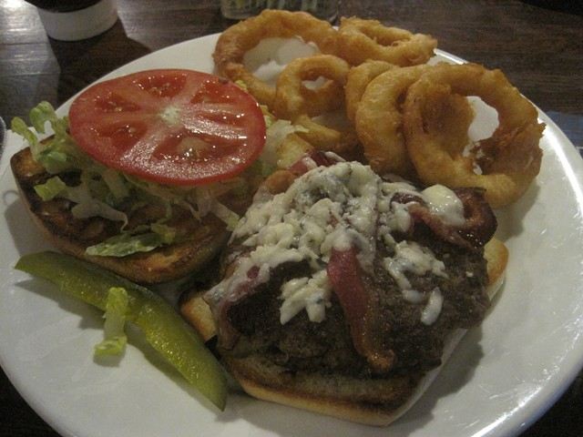 Bacon-Gorgonzola burger