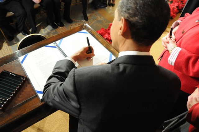 Barack Obama says farewell to the Democratic caucus.
