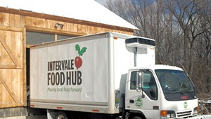 El Gato Opens in Essex; UVM Launches Food-Hub Management Certificate