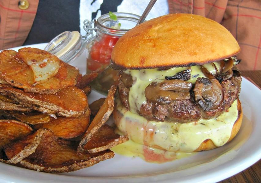 Filet mignon burger, The Lobby, Middlebury - ALICE LEVITT