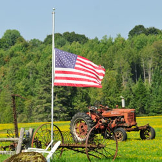 Flag at half-mast in Hardwick, in honor of Tristan Southworth - JEB WALLACE-BRODEUR