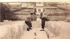 Handys working in a St. Johnsbury ice house
