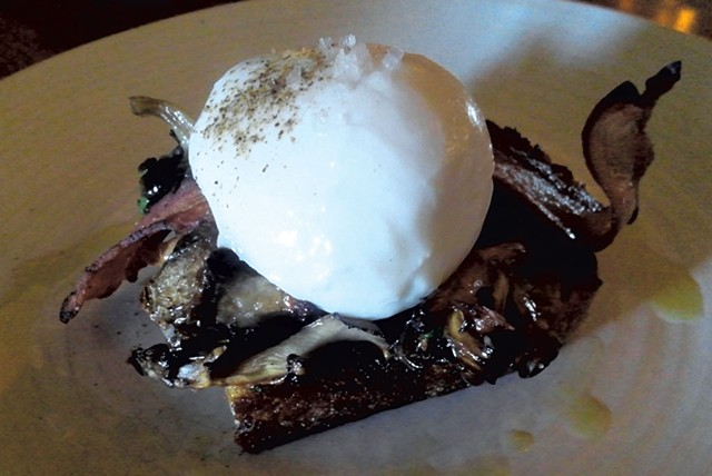 Hen of the Woods mushroom toast - ETHAN DE SEIFE