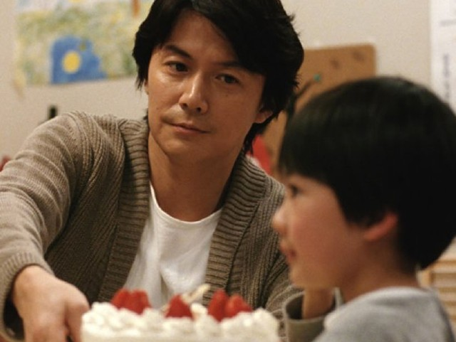 IS BLOOD THICKER? Fukuyama discovers he's raising someone else's kid in Koreeda's subtle drama.