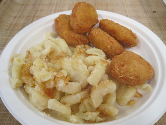 Kids' chicken nuggets with homemade mac-and-cheese