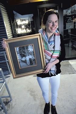 Kortnee Bush with the photo of her grandparents - MATTHEW THORSEN
