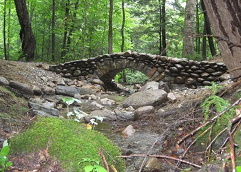 Vermont's Masons Preserve the Craft of Dry Stone Walling