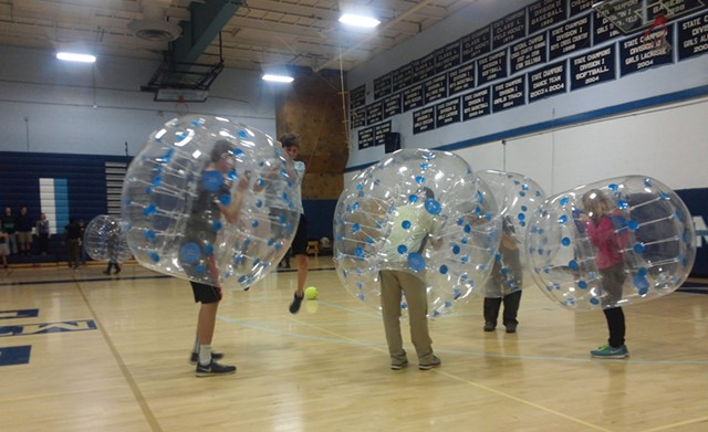 Mount Mansfield Union students get bubbly. - PHOTOS: ETHAN DE SEIFE