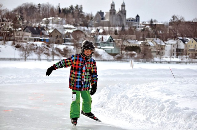 Nordic skating on Lake Memphremagog