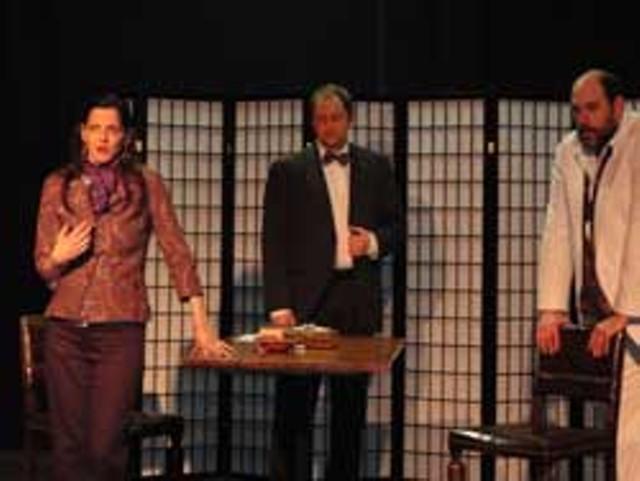theater-review-mrswarren.jpg