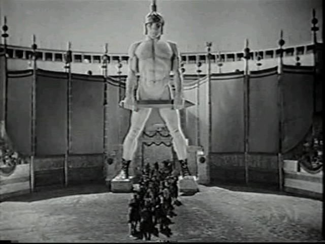 One of the film's pieces of giant spectacle - WARNER BROS. PICTURES