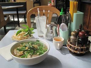 Pho Hong noodle soup
