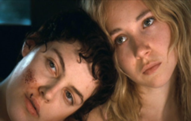 Riley Keough and Juno Temple in Jack & Diane