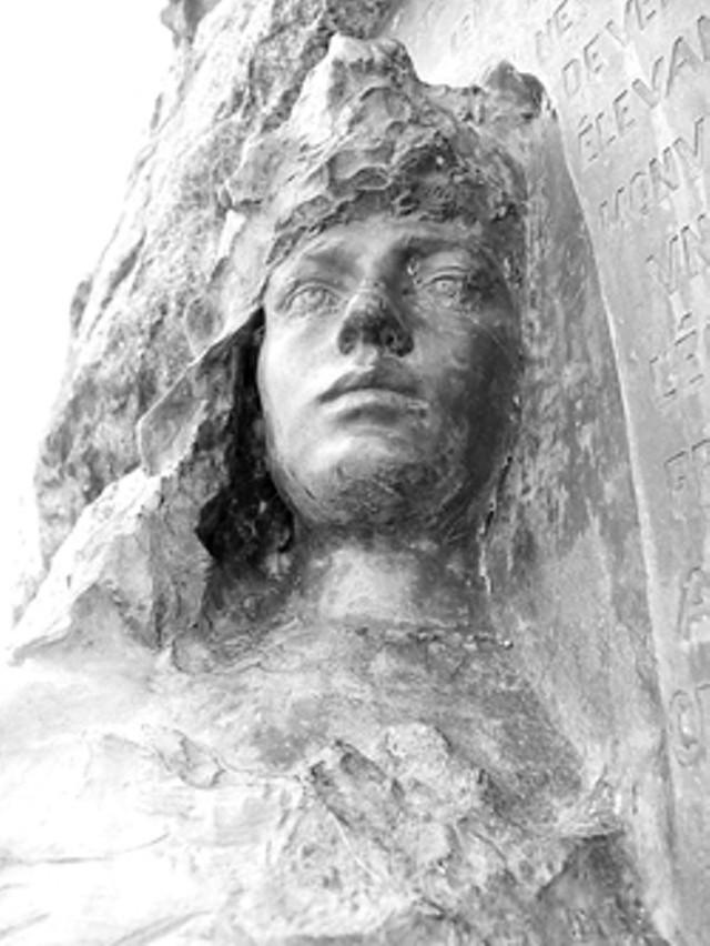 Rodin sculpture at Crown Point