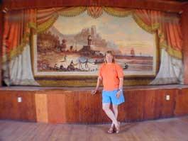 SELDOM SCENE Curtain collector Chris Hadsel in Starksboro - MATTHEW THORSEN