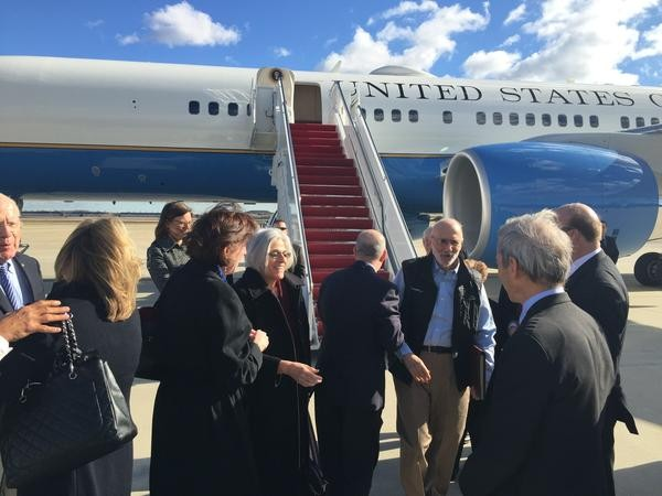 Sen. Jeff Flake tweeted this photo of Alan Gross after landing in the U.S. Sen. Patrick Leahy can be seen at left. - COURTESY: OFFICE OF SEN. JEFF FLAKE